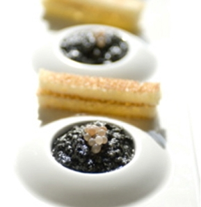 Photography recipe Russian-style caviare from the Dauphiné, Scrambled eggs with ink and snail eggs from Chatanay