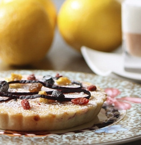 Photography recipe Classically Glazed Individual Lemon Tart, Black Grape Juice