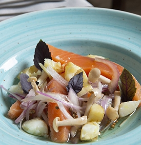 Photography recipe Salmon poached in olive oil