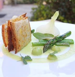 Photography recipe Herb-infused sea bass sandwich with asparagus